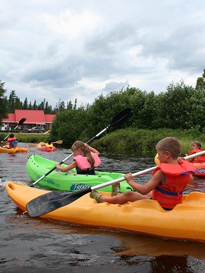 Activités Nautiques - Le pédalo, le kayak et le canot sont des activités de choix.