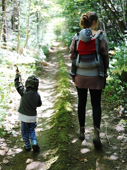 Randonnée - Environ 30 kilomètres de sentiers sillonnent la forêt.